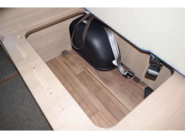 座席下は収納スペースとしてご使用頂けます!