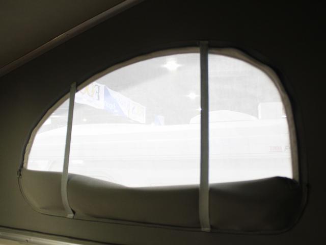 軽キャンパー インディアナRV インディ727 4WD サブバッテリー 走行充電 400Wインバーター 外部電源 ソーラーパネル コンビロールポップアップルーフ FFヒーター SDナビ フルセグ ETC ミラー型モニター(10枚目)