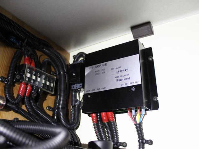 軽キャンパー インディアナRV インディ727 4WD サブバッテリー 走行充電 400Wインバーター 外部電源 ソーラーパネル コンビロールポップアップルーフ FFヒーター SDナビ フルセグ ETC ミラー型モニター(30枚目)