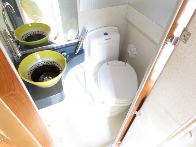 カセットトイレ付になりますので、緊急時もご安心下さい!