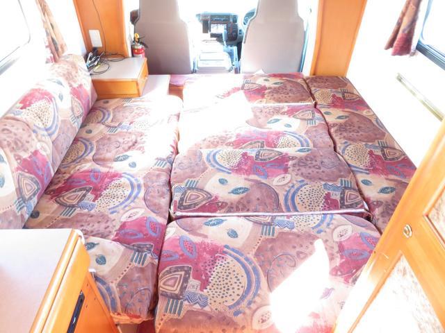 ベッド展開時は186cm×184cmの余裕のある広さを確保できます!