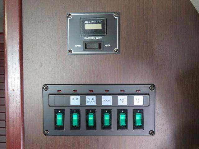 収納可能な一人掛けチェアは小さめのデスクとセットでもお使い頂けます!