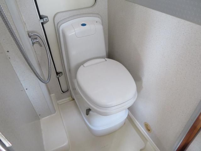 カセットトイレ完備!