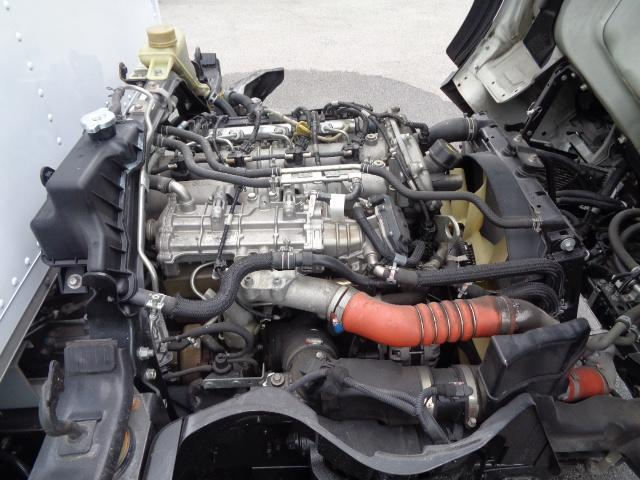 1.5t積載 バン バックモニター  外装仕上げ  左電格ミラー AT車 車両総重量4,095kg 準中型免許対応(26枚目)