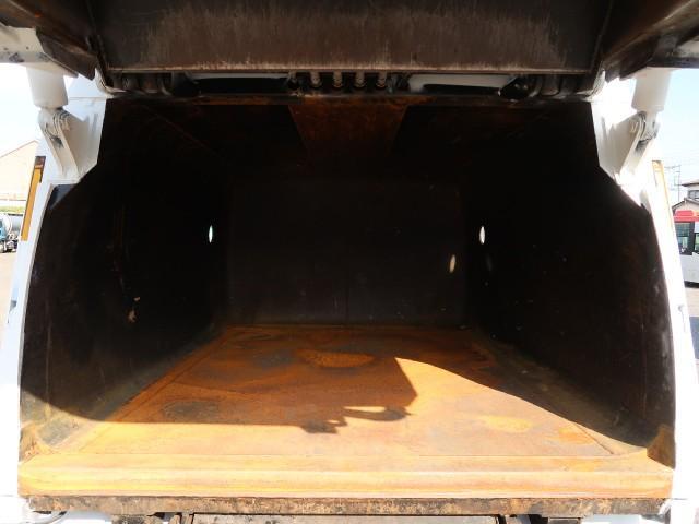 パッカー車 巻込み式 3.2立米(18枚目)