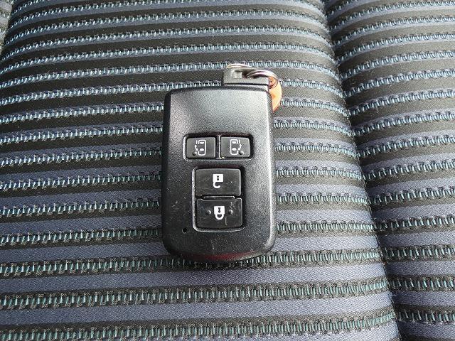 ハイブリッドZS トヨタセーフティセンス 両側パワースライドドア 純正ナビ Bluetooth フルセグ バックカメラ LEDヘッドライト ETC スマートキープッシュスタート 純正AW(12枚目)