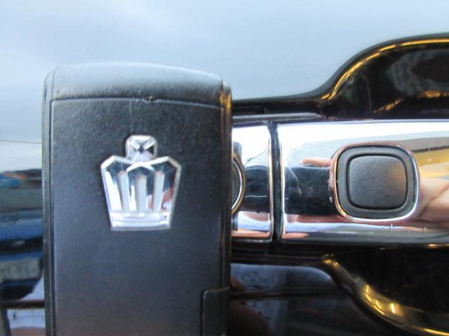 ロイヤルサルーン 純正DVDナビ・バックカメラ・フルセグ・電動シート・ETC・スマートキー・ウッドコンビステア・純正16AW・HID・ウインカーミラー・MTモード・PVガラス(29枚目)