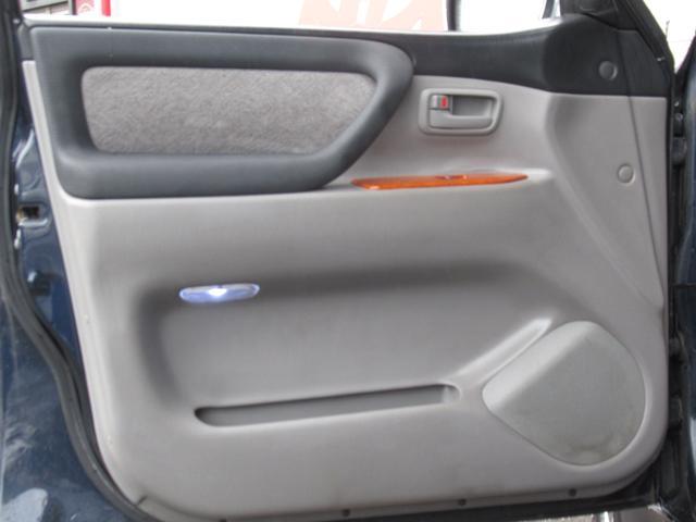 「トヨタ」「ランドクルーザー100」「SUV・クロカン」「茨城県」の中古車17