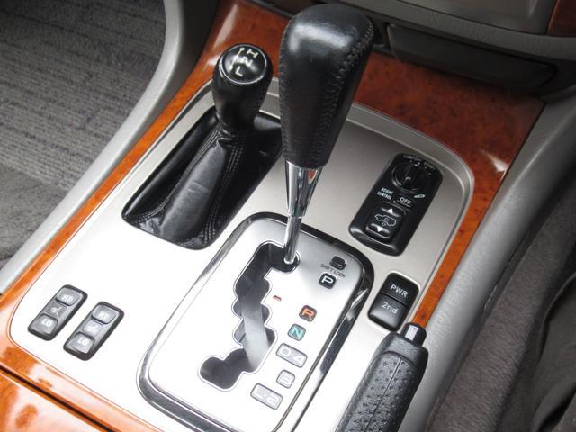 「トヨタ」「ランドクルーザー100」「SUV・クロカン」「茨城県」の中古車38