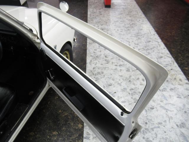 スポーティー 全塗装済 ユーザー買取車 2スト 4速MT タコメーター レザーシート 車庫保管(25枚目)