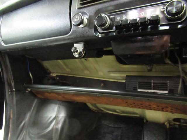 スポーティー 全塗装済 ユーザー買取車 2スト 4速MT タコメーター レザーシート 車庫保管(47枚目)