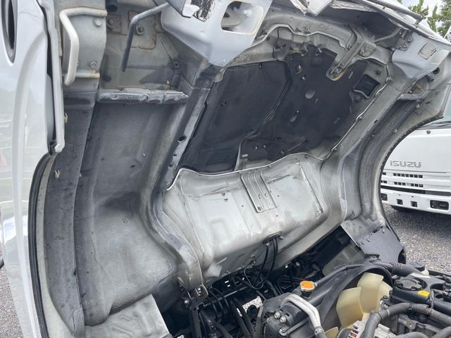 2t 平ボディ  全低床    左電動格ミラー  6速  NOx・PM適合車(19枚目)