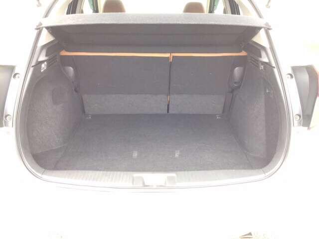 5人乗車してもカーゴスペースはしっかり確保されていますので、荷物も余裕をもって運べます♪