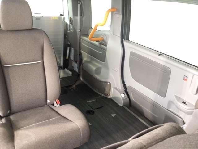 1.5GホンダSENSING車いす仕様2列目乗車 ドライブレコーダー 両側電動スライドドア (8枚目)