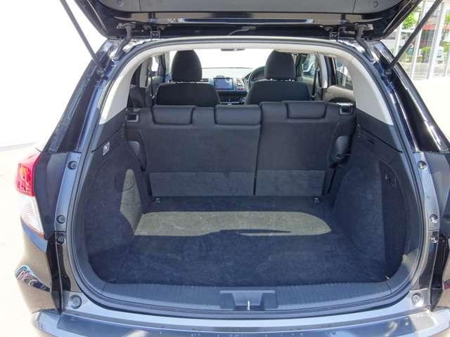 開口部が大きく、低いため荷物の積み込み・積み下ろしが楽々!