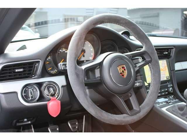 911GT3 クラブスポーツパッケージ 6速マニュアル 左ハンドル ディーラー車 ワンオーナー(8枚目)