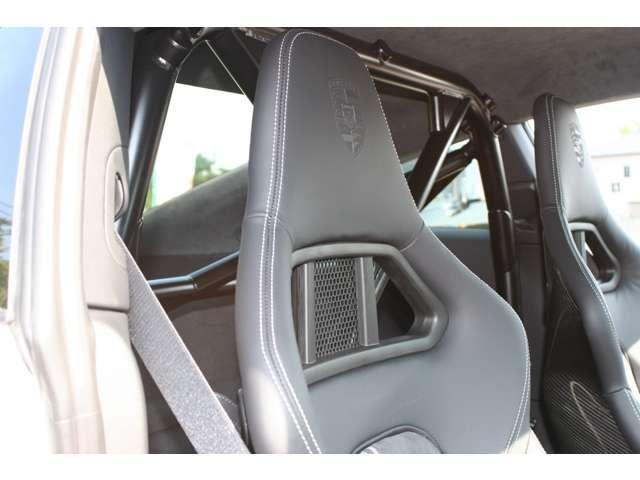 911GT3 クラブスポーツパッケージ 6速マニュアル 左ハンドル ディーラー車 ワンオーナー(16枚目)