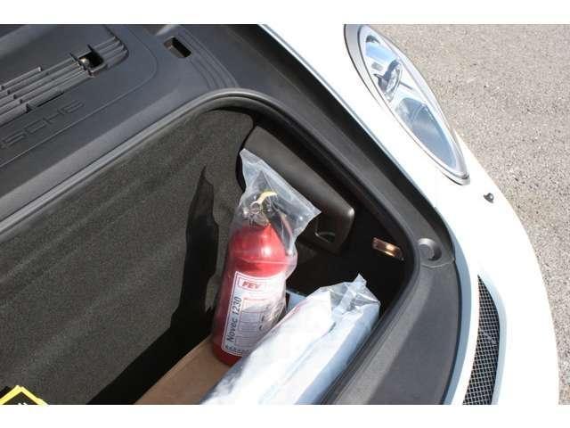 911GT3 クラブスポーツパッケージ 6速マニュアル 左ハンドル ディーラー車 ワンオーナー(17枚目)