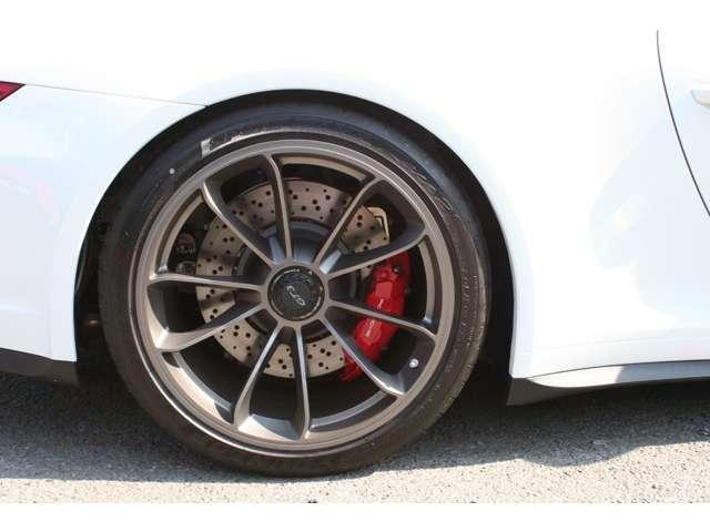 911GT3 クラブスポーツパッケージ 6速マニュアル 左ハンドル ディーラー車 ワンオーナー(20枚目)