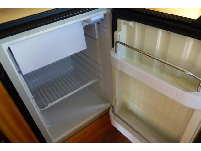 もちろん冷蔵庫も装備!!