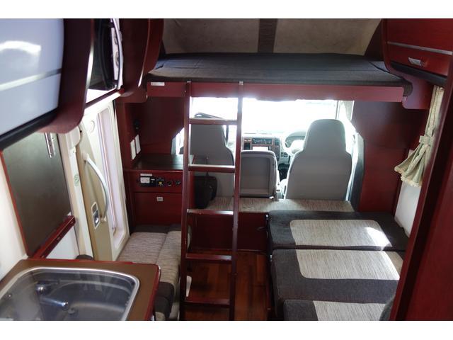 H26 カムロード ナッツRV クレア5.3W ワンオーナー 2段ベット付きが入庫しました!! 長さ516cm幅205cm高さ290cm 7名乗車 6名就寝