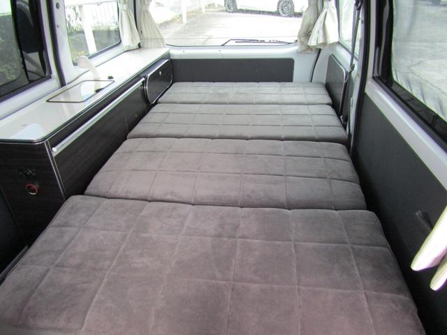 ベッド展開時は180cm×100cmで大人2名が就寝可能です♪