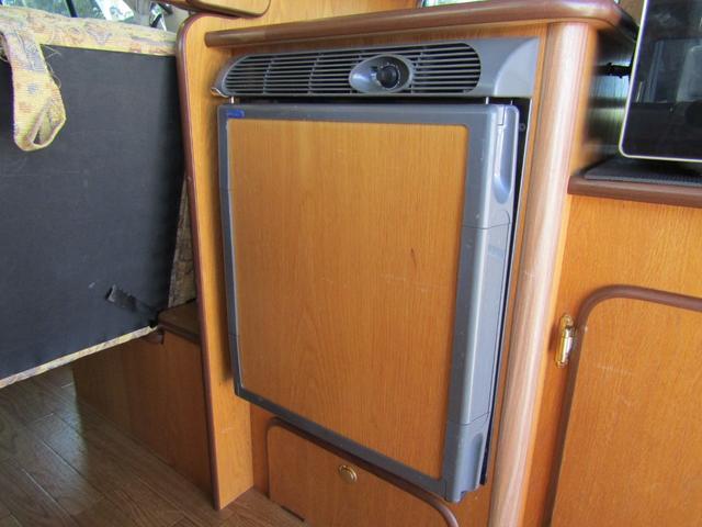 キャンピング ビークル製 ブロス サブバッテリー 外部充電 インバーター 20L給排水ポリタンク シンク コンロ 40L冷蔵庫 架装部テレビ 電子レンジ リアクーラー リアヒーター SDナビ ETC(13枚目)