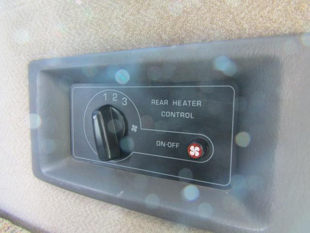 キャンピング ビークル製 ブロス サブバッテリー 外部充電 インバーター 20L給排水ポリタンク シンク コンロ 40L冷蔵庫 架装部テレビ 電子レンジ リアクーラー リアヒーター SDナビ ETC(61枚目)