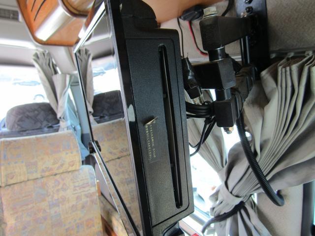 キャンピング ビークル製 ブロス サブバッテリー 外部充電 インバーター 20L給排水ポリタンク シンク コンロ 40L冷蔵庫 架装部テレビ 電子レンジ リアクーラー リアヒーター SDナビ ETC(65枚目)