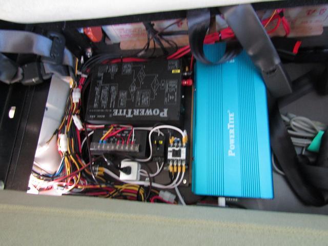 バンテック製マヨルカ NoxPM適合 ディーゼルターボ 4WD ツインサブバッテリー 1500Wインバーター ベバストFFヒーター 外部充電 外部電源 走行充電 DC冷蔵庫 ポップアップルーフ テレビ(70枚目)