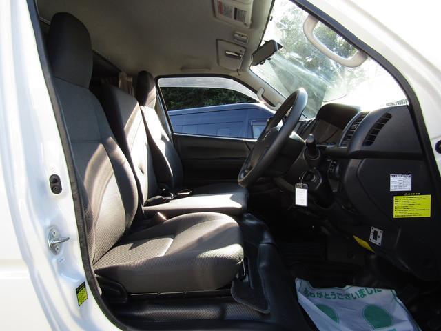 バンテック製マヨルカ NoxPM適合 ディーゼルターボ 4WD ツインサブバッテリー 1500Wインバーター ベバストFFヒーター 外部充電 外部電源 走行充電 DC冷蔵庫 ポップアップルーフ テレビ(75枚目)