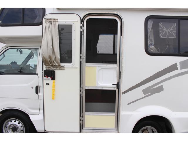 AtoZ製アレン キャンピング車 サブバッテリー 走行充電 外部充電 外部電源 エバスFFヒーター 500Wインバーター フィアマサイドオーニング ルーフベント DC冷蔵庫 シンク 走行用リアクーラー(30枚目)