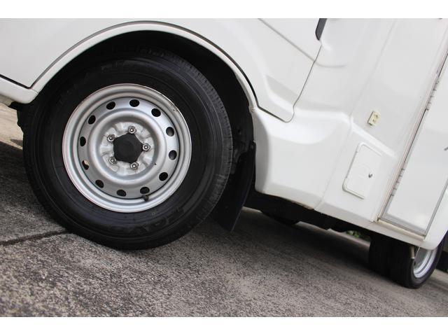 AtoZ製アレン キャンピング車 サブバッテリー 走行充電 外部充電 外部電源 エバスFFヒーター 500Wインバーター フィアマサイドオーニング ルーフベント DC冷蔵庫 シンク 走行用リアクーラー(31枚目)