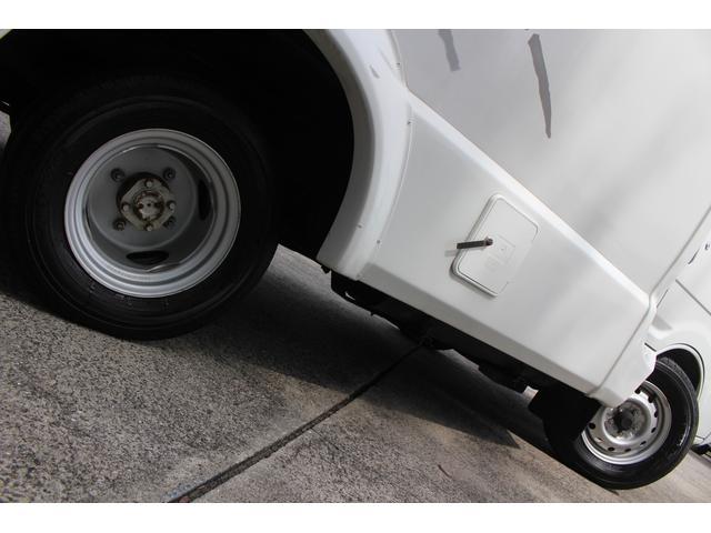 AtoZ製アレン キャンピング車 サブバッテリー 走行充電 外部充電 外部電源 エバスFFヒーター 500Wインバーター フィアマサイドオーニング ルーフベント DC冷蔵庫 シンク 走行用リアクーラー(32枚目)