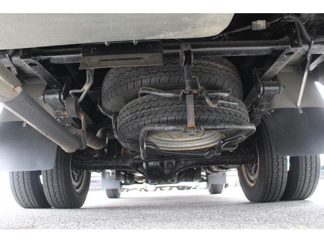 AtoZ製アレン キャンピング車 サブバッテリー 走行充電 外部充電 外部電源 エバスFFヒーター 500Wインバーター フィアマサイドオーニング ルーフベント DC冷蔵庫 シンク 走行用リアクーラー(39枚目)