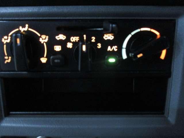 CD ハイルーフ 4WD 5MT ラジオ 両側スライドドア(7枚目)