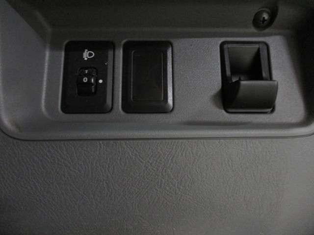 CD ハイルーフ 4WD 5MT ラジオ 両側スライドドア(10枚目)