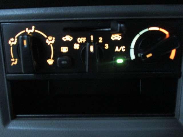 CD ハイルーフ 4WD 5MT ラジオ 両側スライドドア(17枚目)