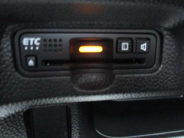 G・Lホンダセンシング 12ヶ月走行無制限保証 認定中古車 ワンオーナー 記録簿 9インチメモリーナビ 両側電動スライアドドア LED フルセグTV DVD再生 バックカメラ ETC スマートキー ベンチシート クルコン(12枚目)