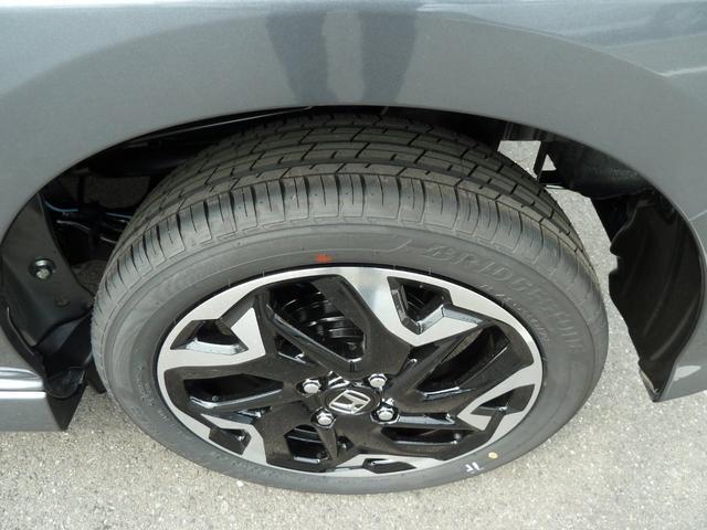 新車装着タイヤです!