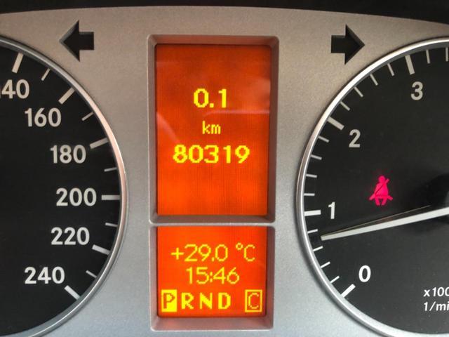 B170 リミテッドブラック 純正ナビ HIDヘッドライト ハーフレザーシート 純正アルミホィール ETC DVD再生 Bluetooth機能 クルーズコントロール オートライト バックフォグランプ 前後クリアランスソナー装着(11枚目)
