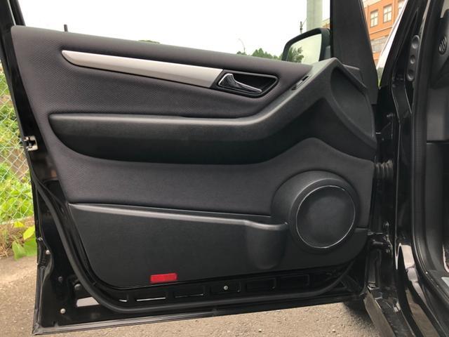 B170 リミテッドブラック 純正ナビ HIDヘッドライト ハーフレザーシート 純正アルミホィール ETC DVD再生 Bluetooth機能 クルーズコントロール オートライト バックフォグランプ 前後クリアランスソナー装着(21枚目)