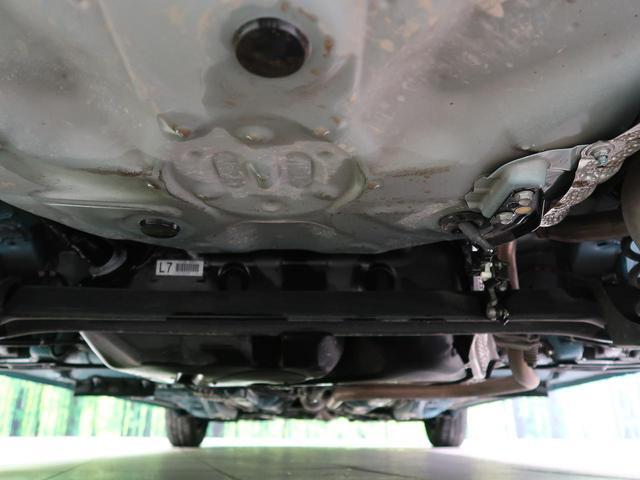 F ワンオーナー CDオーディオ 禁煙車 LEDヘッドライト オートライト プッシュスタート&スマートキー トラクションコントロール 電動格納ミラー ドアバイザー 横滑り防止装置 プライバシーガラス(29枚目)