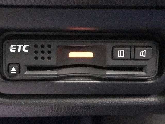 スパーダ・クールスピリット Hセンシング F純正ドラレコ 両側PSD 4WD LED サイドカーテンSRS F・S・B・全周囲カメラ シートヒーター 横滑り防止 純正メモリーインターナビ フルセグ 後席モニター スマートキー(13枚目)