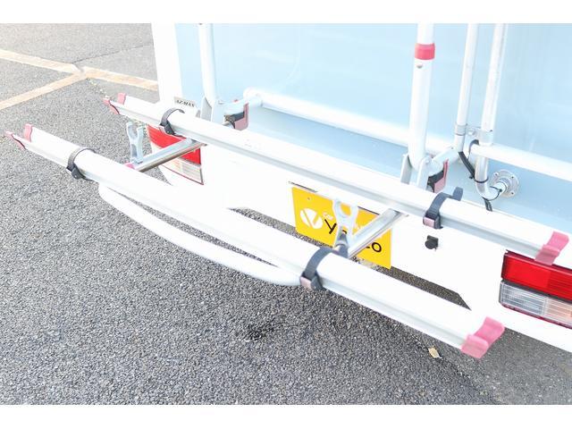 AZ-MAX製 ラクーン 4WD ソーラーパネル 1500Wインバーター サイドオーニング シンク ルーフベント サイクルキャリア サブバッテリー 走行充電(16枚目)