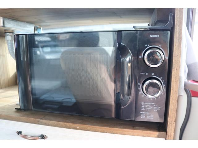 ワンオフキャンパー リヤ観音開き レカロシート ナビ ETC バックカメラ 1500Wインバーター FFヒーター 冷蔵庫 シンク 給排水タンク 外部充電 走行充電(14枚目)