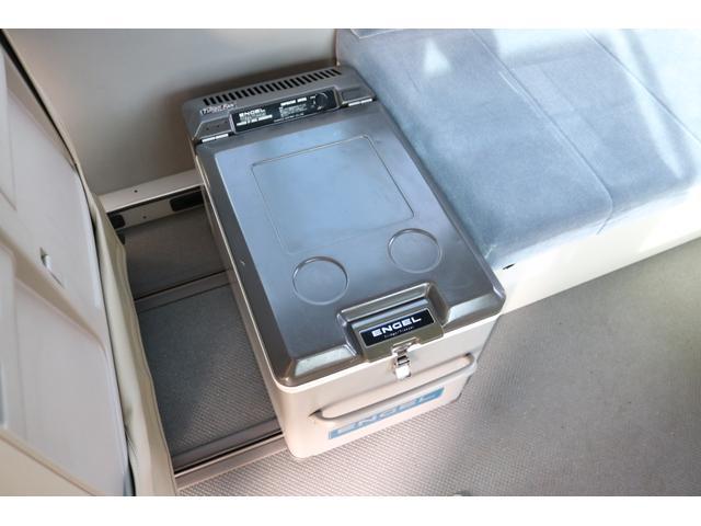ワンオフキャンパー リヤ観音開き レカロシート ナビ ETC バックカメラ 1500Wインバーター FFヒーター 冷蔵庫 シンク 給排水タンク 外部充電 走行充電(15枚目)