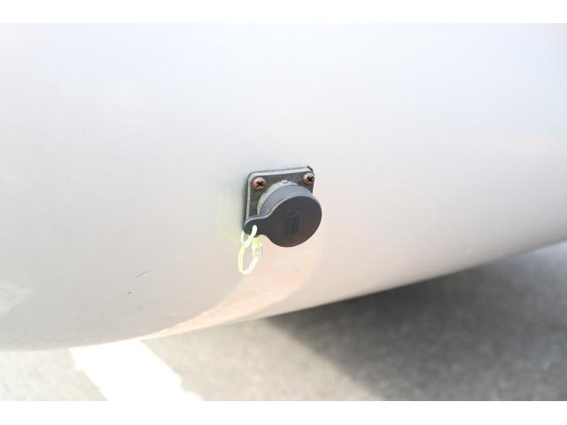 ワンオフキャンパー リヤ観音開き レカロシート ナビ ETC バックカメラ 1500Wインバーター FFヒーター 冷蔵庫 シンク 給排水タンク 外部充電 走行充電(33枚目)