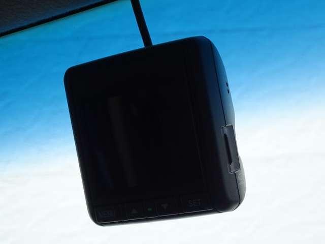 G・Lパッケージ ワンオーナー ホンダ純正ナビ スマキ- CDデッキ 点検記録簿 両側スライド片側電動ドア イモビライザー ETC車載器 HIDヘッドライト メモリナビ ABS ESC DVD アイドリングストップ付き(20枚目)