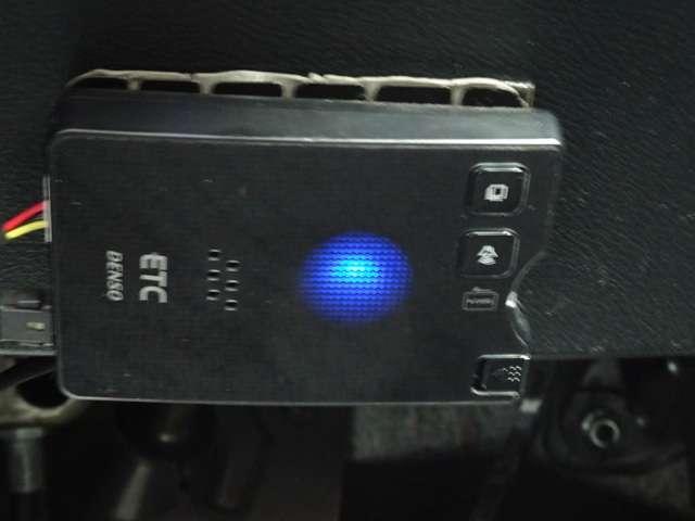 RST 純正ナビ HIDオートライト パドルシフト 整備記録簿 ETC HID 地TV Rカメラ キーレス 盗難防止装置 CD(17枚目)